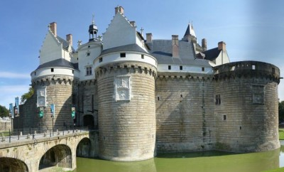 anne-bretagne-chateau