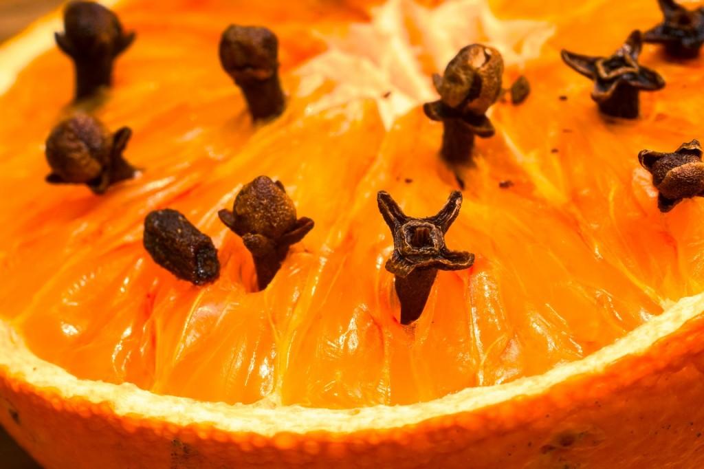 studded-orange-1272050_1920