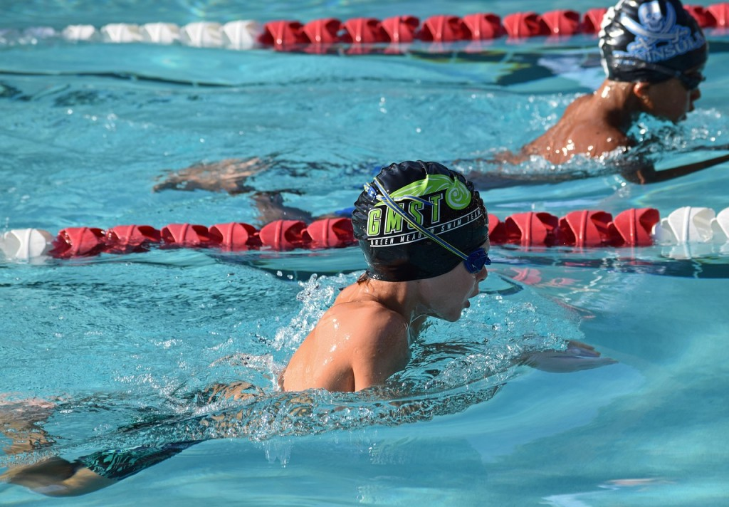 young-swimmer-2504990_1280