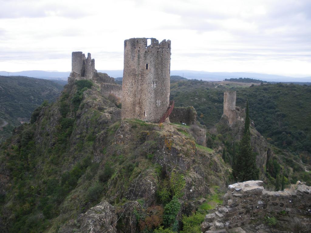 Châteaux Lastours