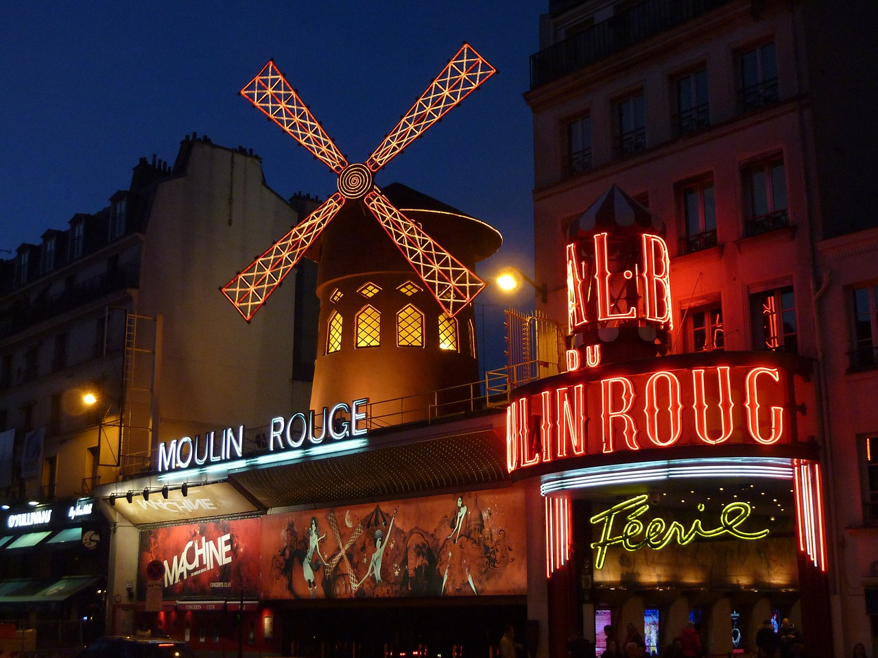 moulin-rouge-392147_1280