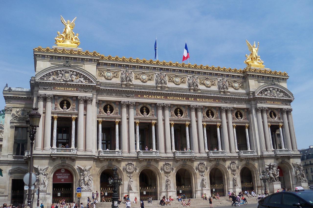 paris-2800341_1280