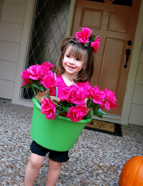 clumsycrafter.com_2011_10_flower-pot-girl-costume-tutorial_