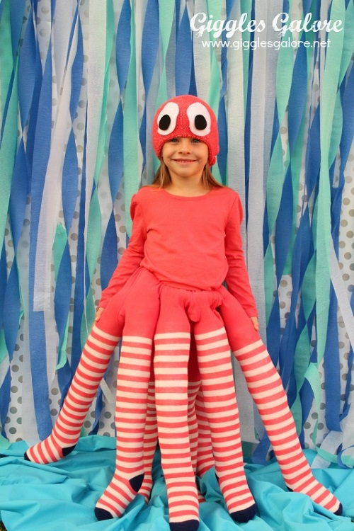 porch.com_gigglesgalore_diy-octopus-costume_