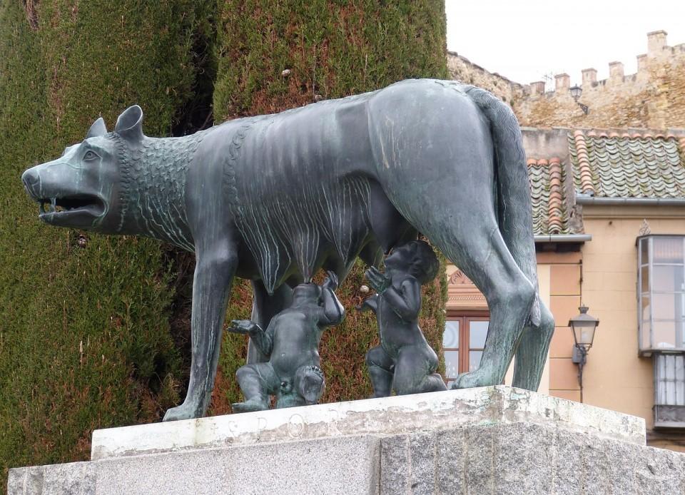 romulus-539381_1280