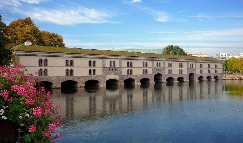 1024px-Strasbourg_Barrage_Vauban_après_restauration_2012-01