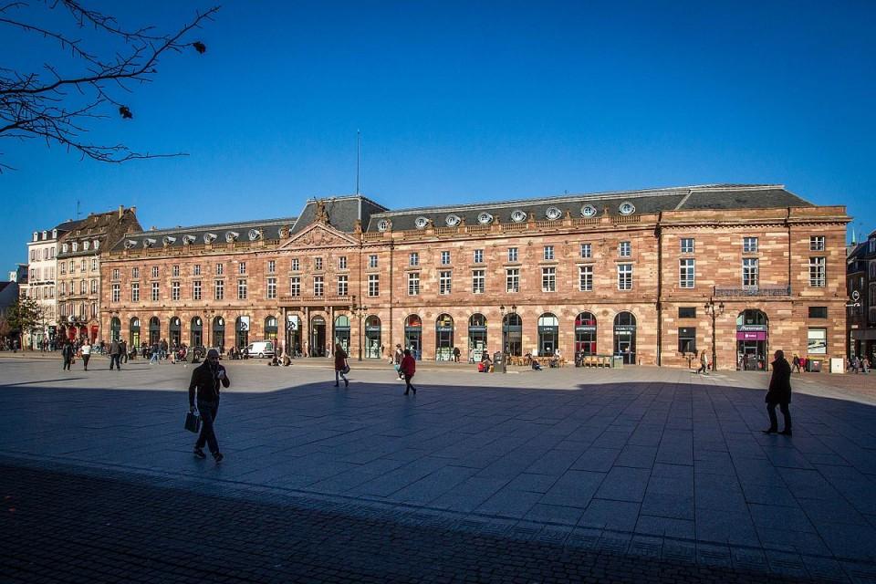 1200px-Strasbourg_Aubette_février_2014