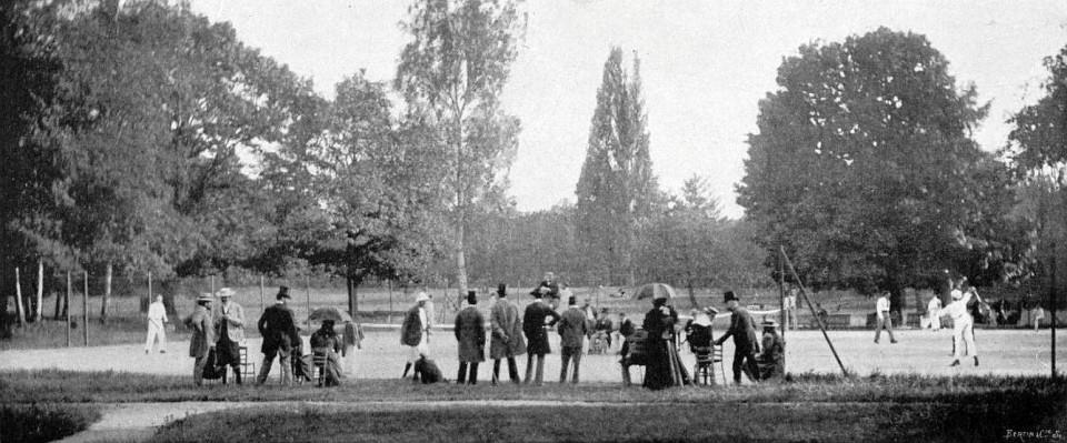Les_cours_de_lawn-tennis_du_Racing_Club_de_France,_au_milieu_des_années_1890