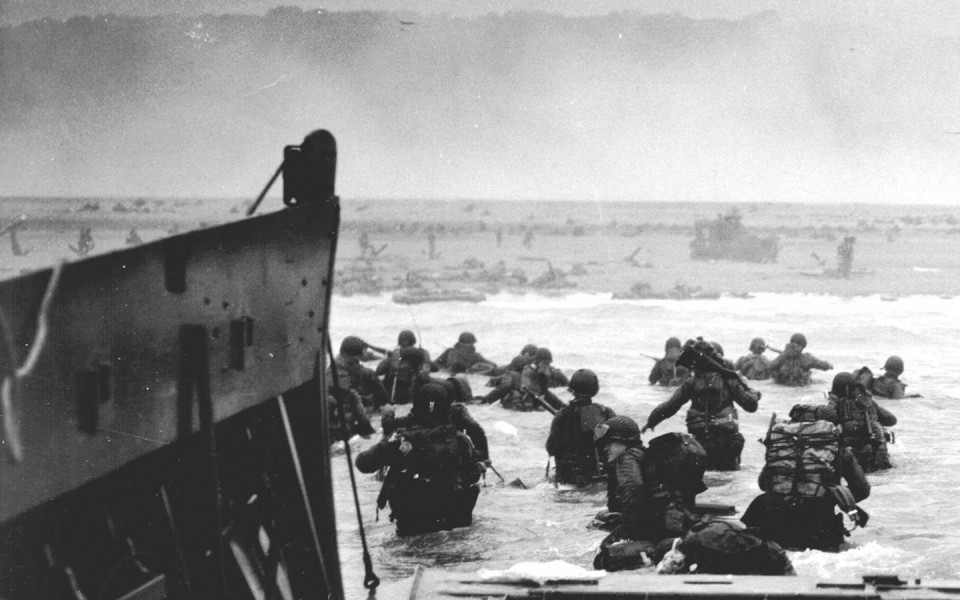 soldiers_American_Normandy_history_grayscale_World_War_II_D_Day_troops_World_War_2_beaches_1440x900