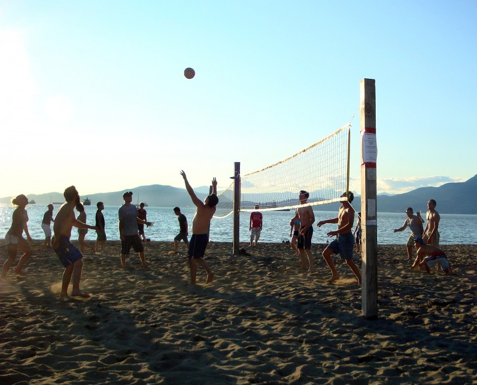 beach-volleyball-1597263_1280
