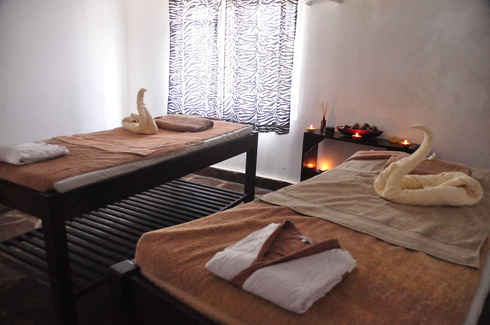 couples-massage-686385_1280