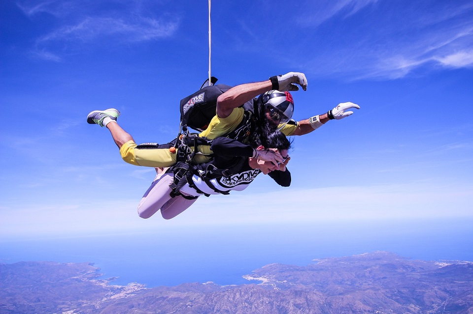 skydive-2717507_1280