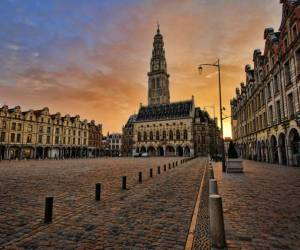 grand place and place des héros