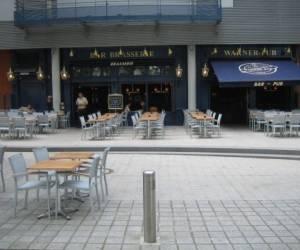 Warner pub