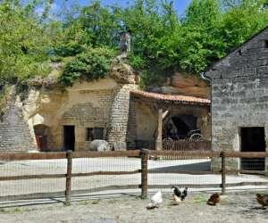 Village troglodytique   de  rochemenier