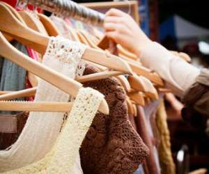 Fanny  chic  fashion - commerce ambulant pret-a-porter