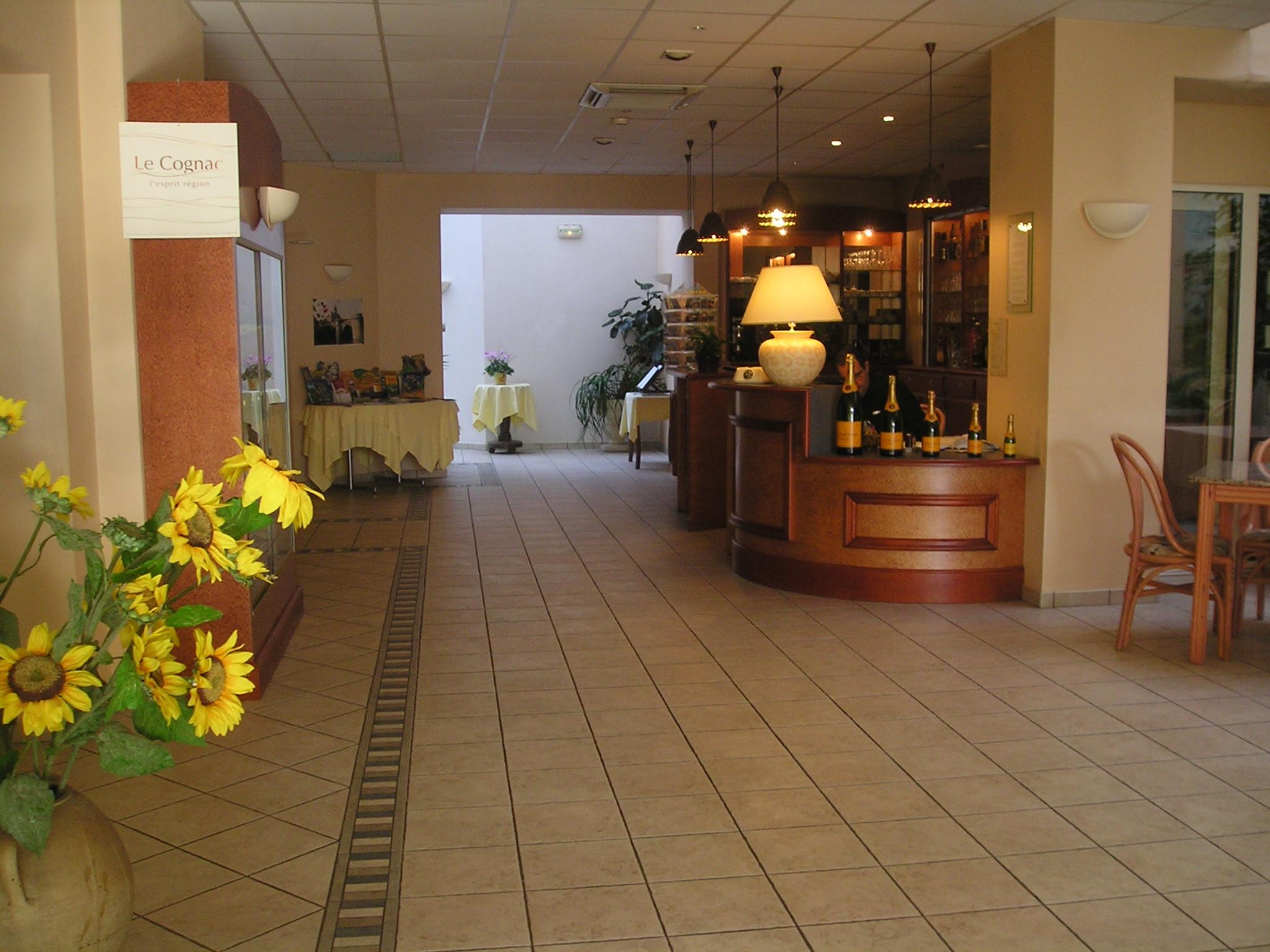 Hotel De France    Restaurant Le Lucullus  U00e0 Montmorillon