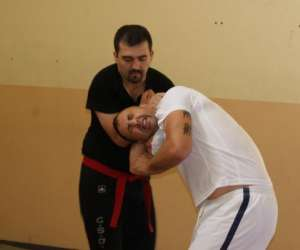 Self defense, boxe defense, lutte defense, ju jitsu