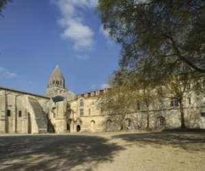 Abbaye aux dames, la cit� musicale