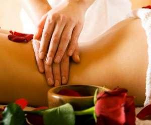 Christelle massages la rochelle