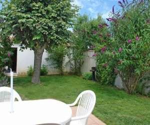 Les jardins du puits liloux  - locations de vacances
