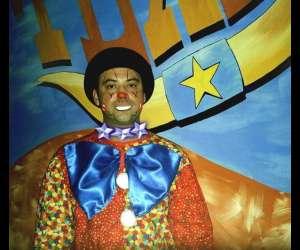 Clown magicien ventriloque