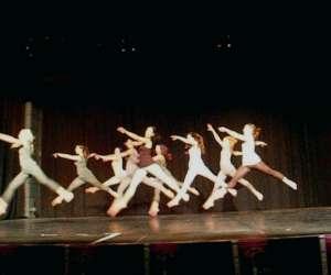 Espace  corps  scene    danse