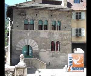 Maison des chanonges, maison du patrimoine embrunais
