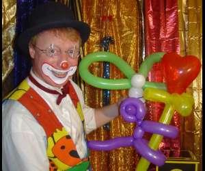 Clown magicien sacha touille