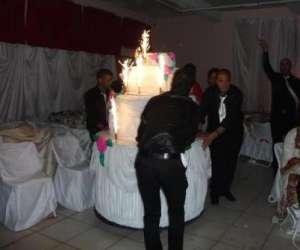 Animation anniversaire faux gâteau géant