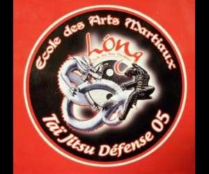 Tai jitsu défense 05 / ecole des arts martiaux long