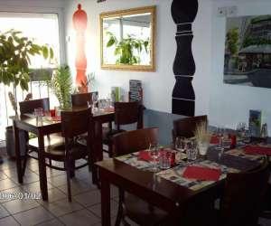 Cafe restaurant coté cour