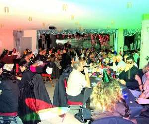 Restaurant karaoke le winphone night