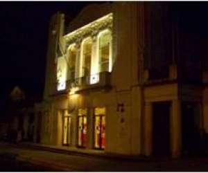 Compagnie présence theatre la pergola