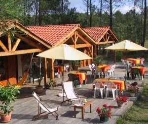 Parc résidentiel de loisirs randonnee quad en foret