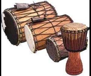 La   maison  des  tambours - danse  africaine