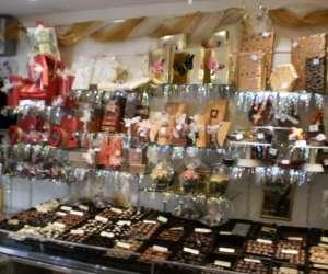Gérard & maryse   lavaud  chocolatier - fabrication art