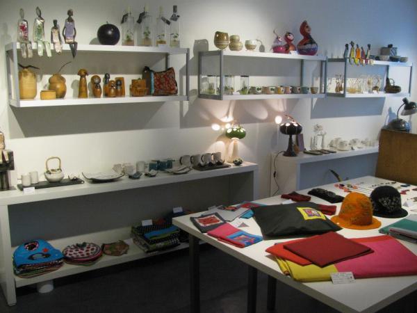 tact boutique de cr ateurs et d 39 artisans d 39 art pau 64000 t l phone horaires et avis. Black Bedroom Furniture Sets. Home Design Ideas