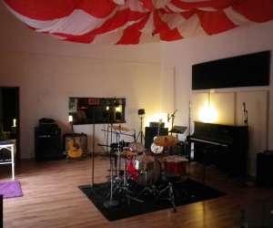 Parachute studio, studio d