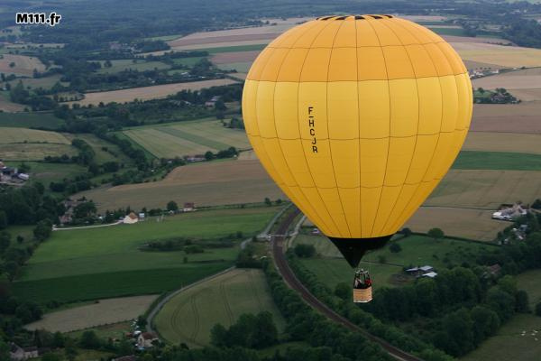montgolfiere falaise