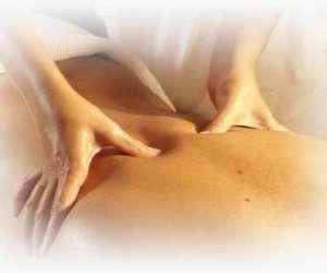 Marie montinet, massages californiens aux huiles essent