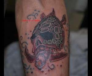 Miles et un tattoo