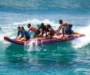 Pirogue et giant sup rafting