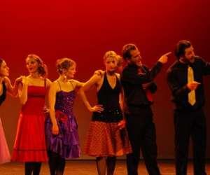 Hello broadway: ecole de danse, claquettes et de comedi