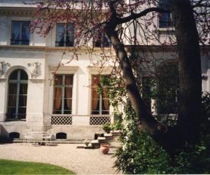 Petit hotel bourrienne