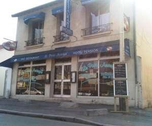 Le paris auvergne bar hotel restaurant