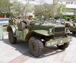 Association univem - v�hicules militaire