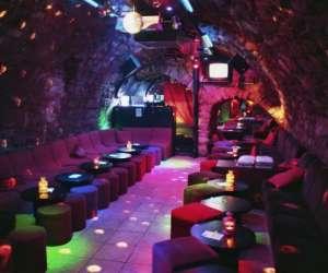 Bar lounge, dancing, karaoke