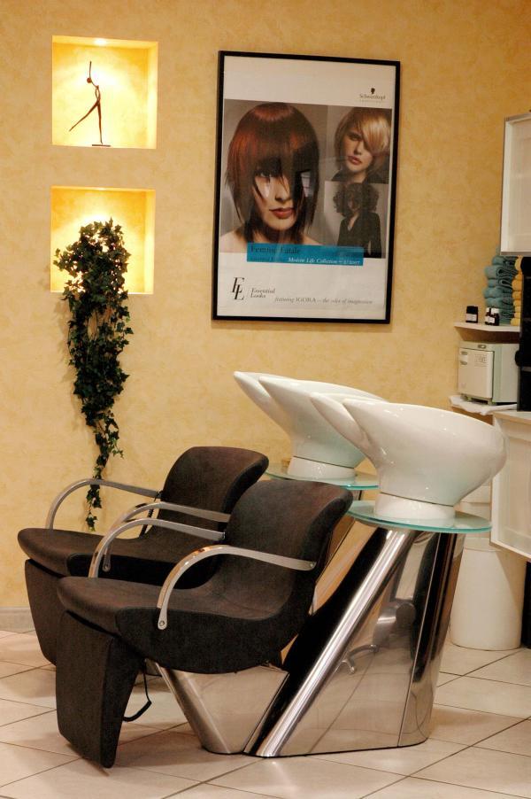 Salon de coiffure tendances a leguevin leguevin 31490 for Avis salon de coiffure