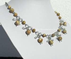 Nathalyne créatrice de bijoux en pierres naturelles